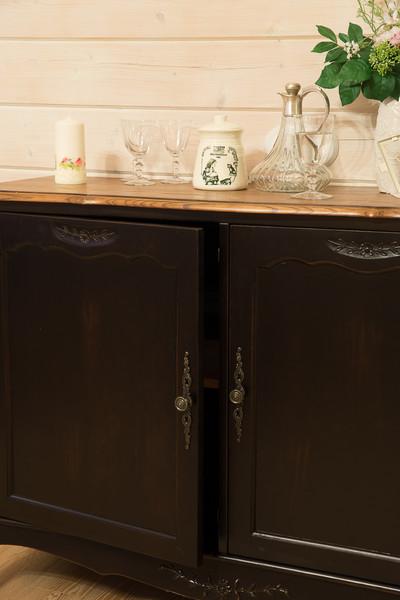 Буфет с дверками Leontina ST9126N