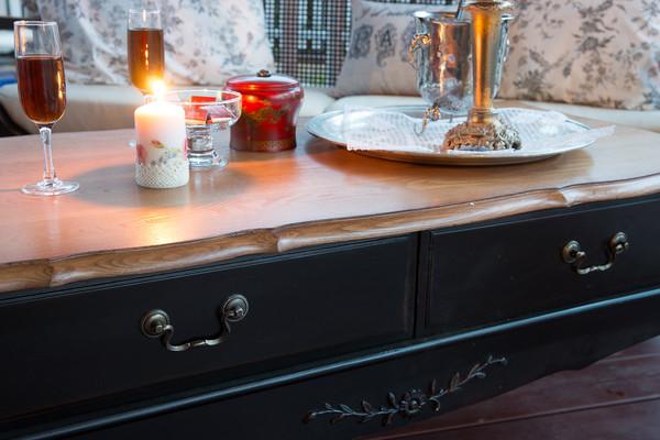 Чайный столик с двумя ящиками Leontina ST9143N