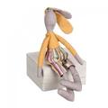 Заяц сидячий серый с желтым 8х4х26 LJ87-0049