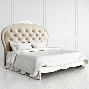 Кровать с мягким изголовьем 180*200 Romantic с резьбой