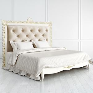 Кровать с резным изголовьем Atelier Gold с золотой патиной