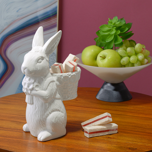 Белый Керамический Кролик-Милаш с Корзинкой и Цветами S